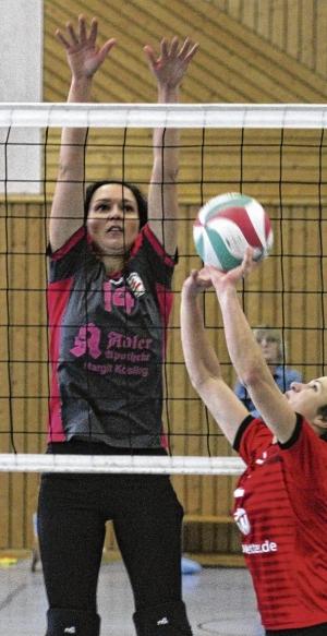 Volleyballerinnen schmettern heute in Neustrelitz