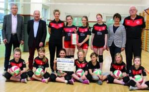 Rotary Club unterstützt Volleyball-Mädels